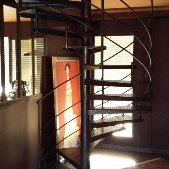Alpes-Maritimes ferronnerie Escalier création artisanal hélicoïdale paca métal Nice 06