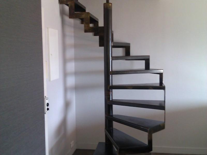 Alpes-Maritimes paca Escalier création artisanal 06 métal hélicoïdale Nice ferronnerie